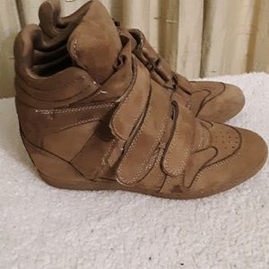 JustFab High Top Sneakers Sz 10